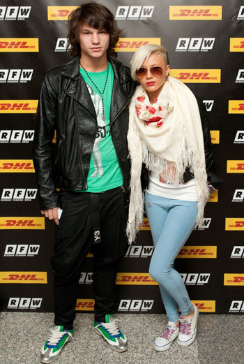 Gwen Stefani style: сочетание гламура Голливуда 40-х и калифорнийского панк-рока, алые губы и фирменные волосы цвета платины – из этого получается узнаваемый образ.
