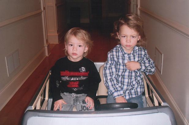 Сыновья Филипп и Артем