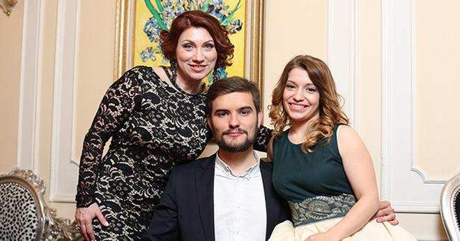 Роза Сябитова с дочкой Ксенией и зятем Дмитрием фото