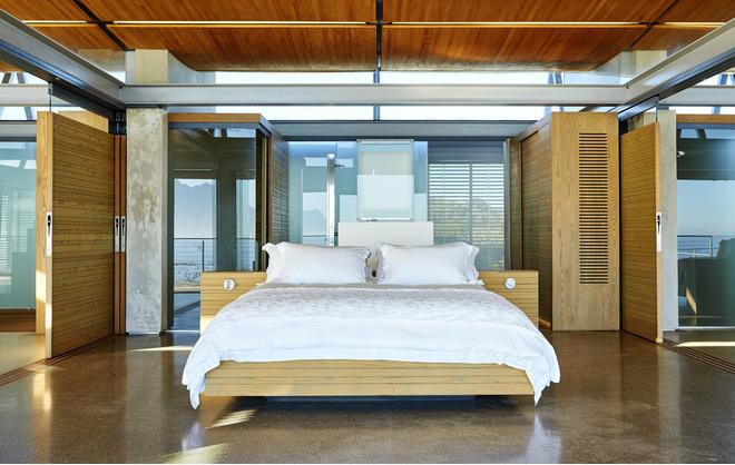 Ритмичное поскрипывание кровати
