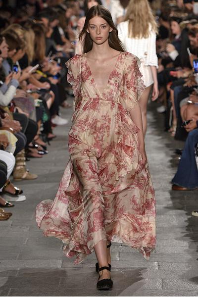 50 лучших платьев Недели моды в Милане | галерея [1] фото [30]