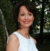 НЕТ. Ольга Кабо:обычно тонко выщипанные брови взрослят.
