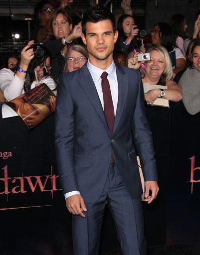 """Тэйлор Лотнер (Taylor Lautner) на лос-анджелесской премьере фильма """"Сумерки. Сага. Рассвет. Часть 1"""""""