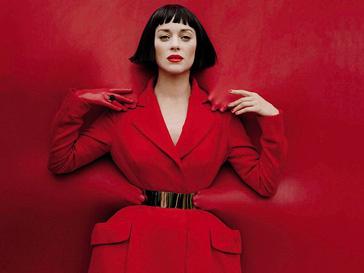 Марион Котийяр (Marion Cotillard) в пальто Dior