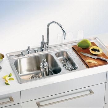 Серия Vision (Alveus). Вместительная чаша глубиной 200 мм позволяет легко мыть или наполнять водой громоздкую посуду