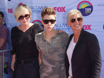 Джастин Бибер (Justin Bieber) был назван лучшим певцом