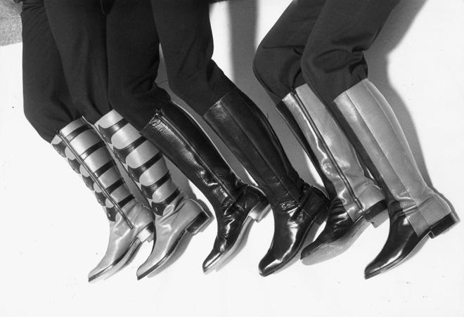 Обувь на плоской подошве Pierre Cardin