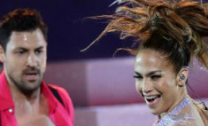 У Дженнифер Лопес интрижка с украинским танцором