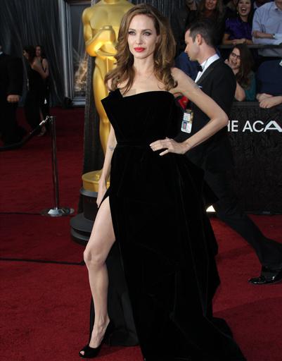 Анджелина Джоли на «Оскаре»-2012