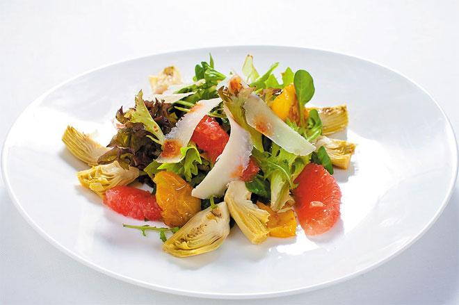 Салат с артишоками и грейпфрутом