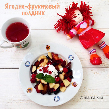 Ягодно-фруктовый салат фото