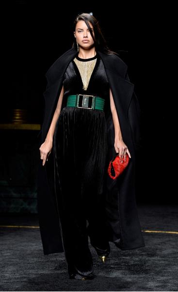 Неделя моды в Париже: 5 марта | галерея [1] фото [6]