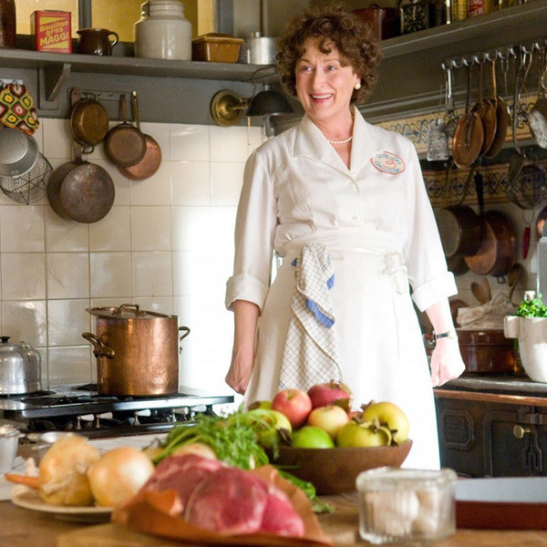 Мерил Стрип в роли кумира всех домохозяек Америки – кулинара Джулии Чайлд.