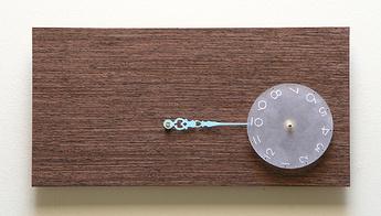 Часы оригинальный дизайн