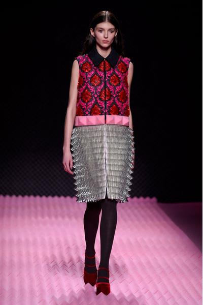 Показ Mary Katrantzou на Неделе моды в Лондоне | галерея [1] фото [25]