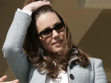 Кейт Миддлтон (Kate Middlеton) держит информацию о подвенечном наряде в строжайшей тайне