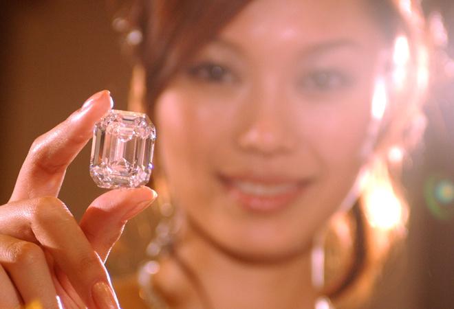 белый бриллиант 100 карат фото