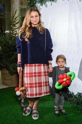 Анастасия Рябцова с дочкой