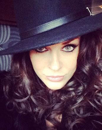 Таня Терешина в фетровой шляпе