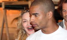 Грилзы на зубы: Мадонна украсила зубы золотом