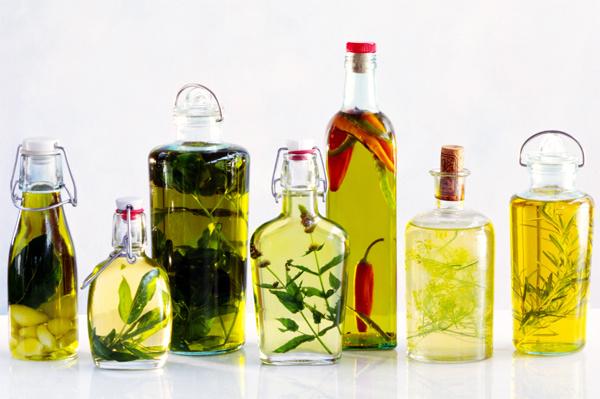 Как приготовить ароматное масло дома