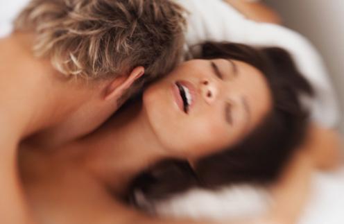 Оргазм пробуждает чувственность женщины.