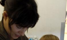Когда мама кормит грудью: полезно ли грудное молоко взрослым детям?