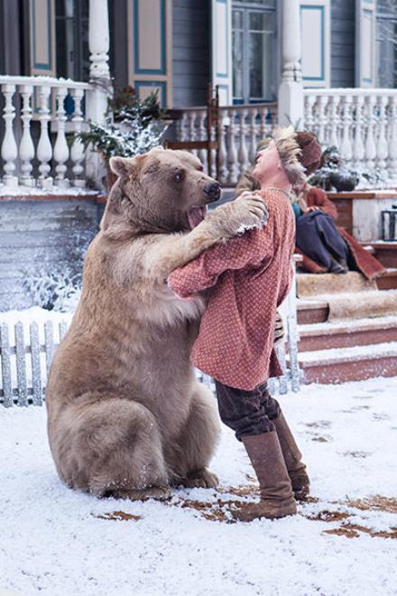 Антон Богданов и медведь