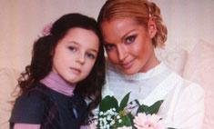 Дочь Анастасии Волочковой поздравила маму песней