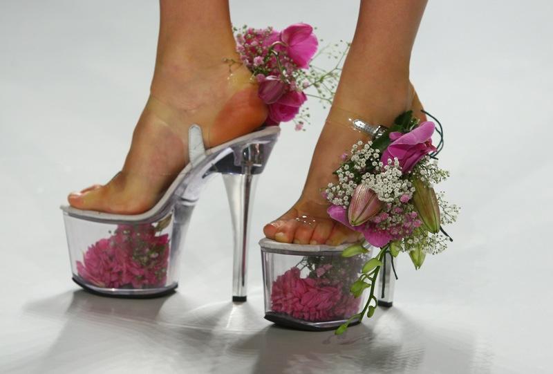 Обувь к бежевому платью