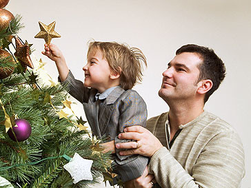 Мужчины без отцов становятся родителями к 23 годам