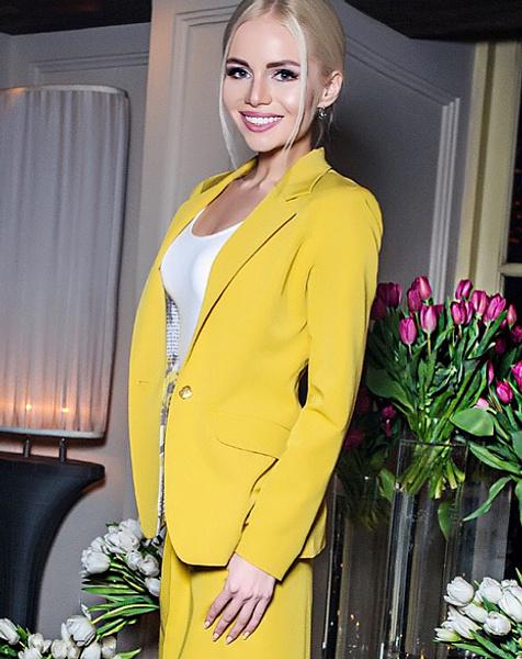 Алена Вражевская, актриса и ведущая, фото