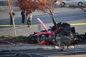 Машина Пола Уокера после аварии фото
