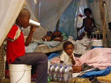 Из-за эпидемии больницы острова переполнены