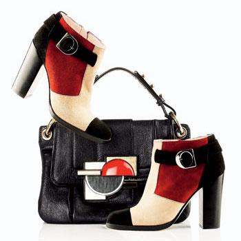 Ботильоны из разноцветной замши, Pucci; сумка с декоративной пряжкой, Marc Jacobs