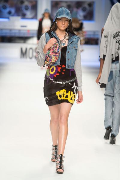 Показ Moschino на Неделе моды в Милане | галерея [4] фото [10]