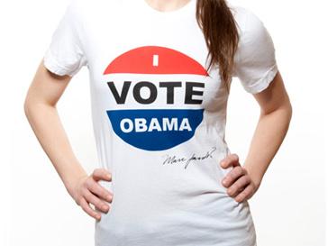 "Футболка с надписью ""Я голосую за Обаму"" от Marc Jacobs."