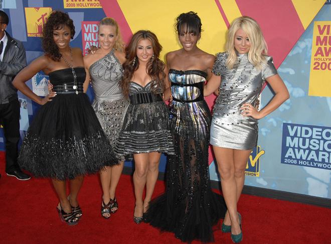 Danity Kane в полном составе (слева направо): Ванита Вудс, Шеннон Бекс , Андреа Фимбрес, Даун Ричард и Одри Одэй