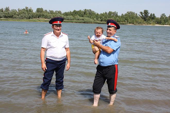 Дмитрий Дибров окрестил младшего сына в Дону