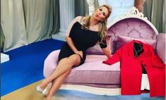 Анна Семенович надела «голое» платье до пупка