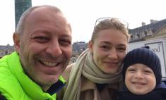 Оксана Акиньшина увезла сына учиться за границу