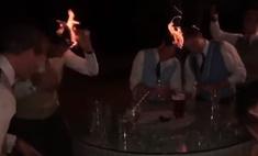 тамаде заметку пьяные гости поливают головы самбукой поджигают