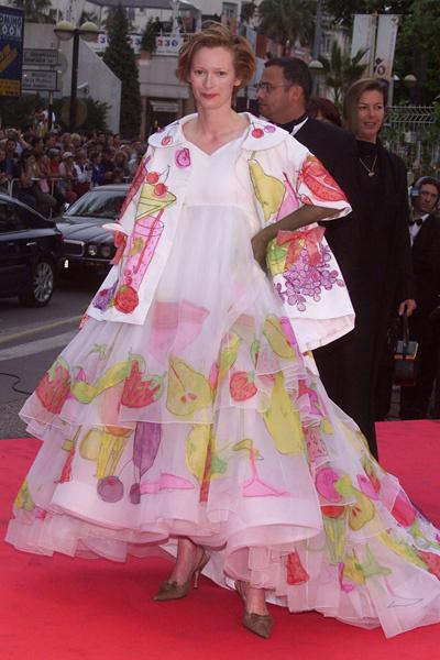 Тильда Суинтон в Каннах, 2001 год