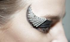 Сверкай: как повторить макияж с показа Vacarello