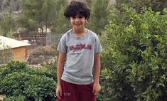 Видео: 9-летний мальчик спас брата-младенца