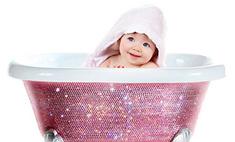 Дочке Бейонсе подарили ванночку Swarovski за $7 тыс.