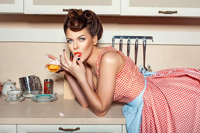Мужьям на заметку: услуги жены-домохозяйки стоят 135 366 рублей в месяц