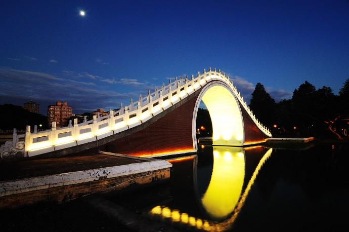 Лунный Мост,Тайвань