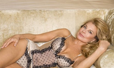 Модели в возрасте: в рекламе нижнего белья снялась 58-летняя женщина