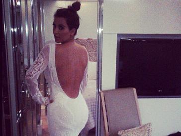 Ким Кардашьян (Kim Kardashian) в свадебном платье от Pucci